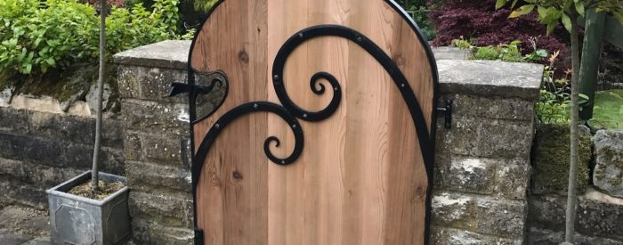 Image 5 – Wooden and Metal Ornamental Gate